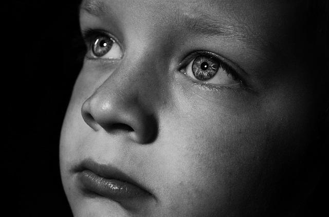 La suppression du défenseur des enfants est une injure faite à la protection de l'enfance